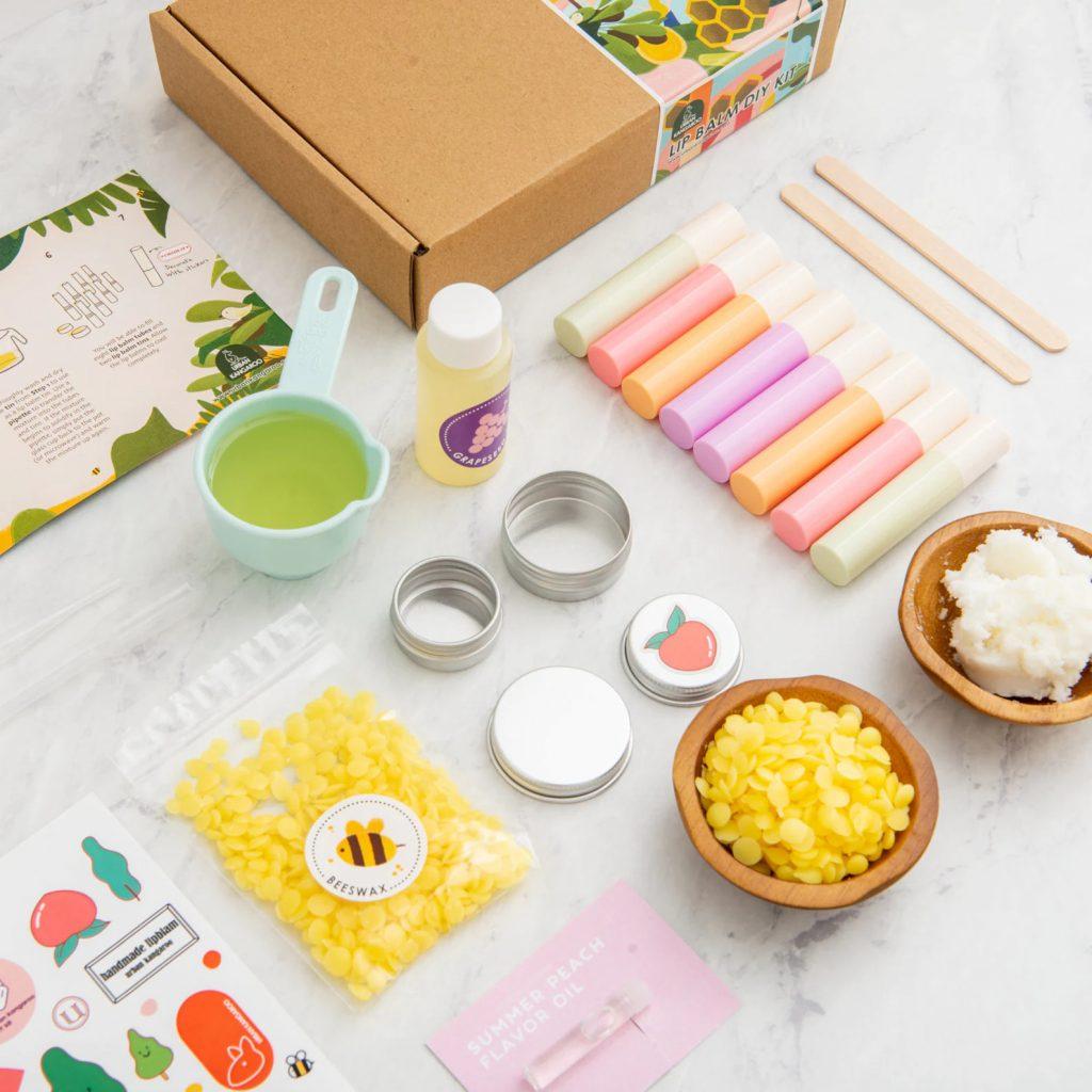 natural-organic-diy-lip-balm-kit-makeup-for-kids